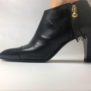 Chanel ankle boots booties 38